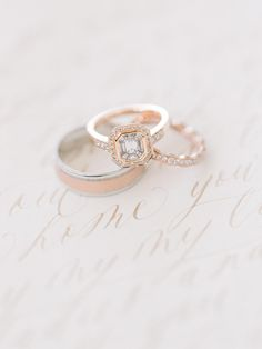 Rose gold wedding ring sets - The Perfect Recipe for a Local Wedding with That Unbeatable European Feel – Rose gold wedding ring sets Wedding Rings Sets Gold, Unique Wedding Bands, Wedding Jewelry, Wedding Details, Wedding Ideas, Vintage Oval Engagement Rings, Floral Engagement Ring, Stackable Diamond Rings, Eternity Ring Diamond