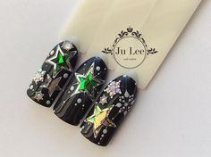 Маникюр | Видео уроки | Art Simple Nail Star Nail Designs, Winter Nail Designs, Christmas Nail Designs, Christmas Nail Art, Xmas Nails, New Year's Nails, Holiday Nails, Lee Nails, Nail Art Noel