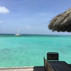 The view..❤️ #bugaloebeachbar #palmbeach #aruba #onehappyisland #nofilter #aruba297 #arubatahot #paradise #igersaruba #clearwaterbeach