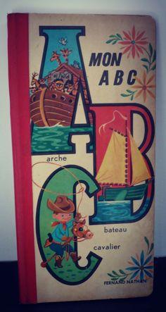 Livre enfant Abécédaire illustré de la boutique SaintFrusquin sur Etsy