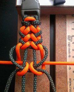 115 отметок «Нравится», 1 комментариев — parachute cords (@parachutecords) в Instagram: «Regrann from @poper_66 - #paracord #550cord #edc #хендмейд - #regrann»