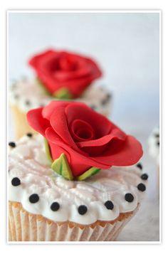 Cupcakes a diario: Mini cupcakes de cerezas y el gen del efecto retardado