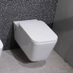 Wall-Hung-Toilet-White-Ceramic-WC-Soft-Close-Seat-Modern-White-Bathroom