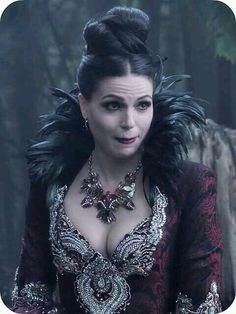 Awesome Evil Queen Regina in an awesome S4 episode of Once