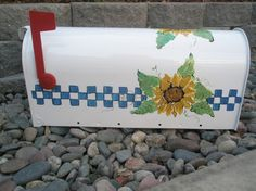 Hand painted mailbox Sunflower mania Country Mailbox, Painted Mailboxes, You've Got Mail, Painting Classes, Mail Boxes, Painting Techniques, Sunflowers, Hand Painted, Crafty