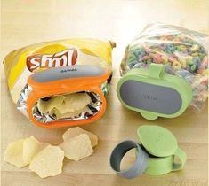 Simple Inventions That Are Borderline Genius Pics) . Must visit the kitchen gadget store! Cool Kitchen Gadgets, Kitchen Tools, Cool Kitchens, Cheap Kitchen, Smart Kitchen, Kitchen Stuff, Awesome Kitchen, Buy Kitchen, Kitchen Products