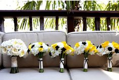 i LOVE black, white, and yellow for a wedding :)
