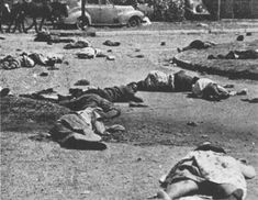 The killings at Soweto. The government announced that Afrikaans was to be taught in all black schools. In the police firing on protesters 200 died at Soweto. Africa People, Epic Photos, Apartheid, African Diaspora, Historical Pictures, African History, Vietnam War, Pictures Images, Black History