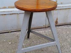 Stará industriální stolička