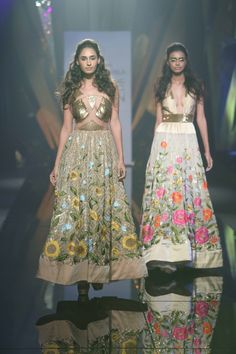 Lakmé Fashion Week – ABU JANI & SANDEEP KHOSLA AT LFW WF 2015