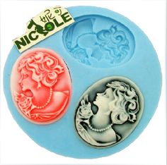 3-Hole Queen Shape Mini Resin Mold Silicone Mold Mould for Crafts Jewelry Resin Flower | WholePort.com
