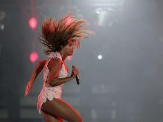 Music Wallpaper: Beyoncé - Rock in Rio 2013