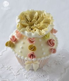 Vintage Rose and Mini Blossoms Cupcake