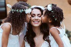 Los 10 mejores fotógrafos de matrimonios en Medellín: ¡el registro perfecto de tus emociones! Backstage, Crown, Magick, Boyfriends, Corona, Crowns, Crown Royal Bags