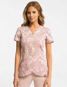 Tulip Top in Rosewood Blush is a contemporary addition to women's medical scrub outfits. Shop Jaanuu for scrubs, lab coats and other medical apparel. Scrubs Outfit, Scrubs Uniform, Top Gris, Stylish Scrubs, Cute Scrubs, Medical Uniforms, Medical Scrubs, Dental Scrubs, Womens Scrubs