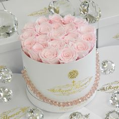 Mother's Day - Round Medium Box - Roses last 1 year - Royal Flower Flower Bouquet Boxes, Hat Box Flowers, Flower Box Gift, Box Roses, Pink Roses, Gift Flowers, Preserved Roses, Beautiful Rose Flowers, Luxury Flowers