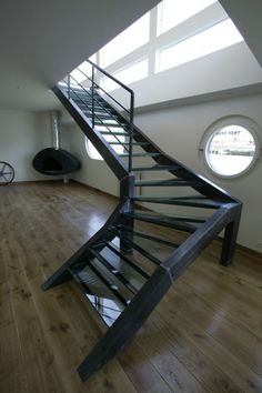 Barge Interior, Houseboat Living, Cool Boats, Canal Boat, Houseboats, Serpent, Beams, Stairs, Interiors