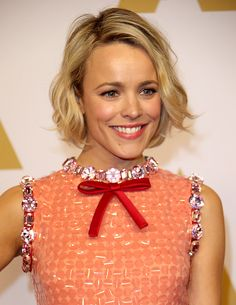 Actress Rachel McAdams attends the Annual Academy Awards Nominee Luncheon in Beverly Hills California Rachel Mcadams Blonde, Rachel Anne Mcadams, Gamine Style, Gorgeous Blonde, My Hairstyle, Bob Hairstyles, Haircuts, Short Hair Cuts, New Hair
