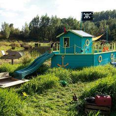 Un bateau cabane : original!