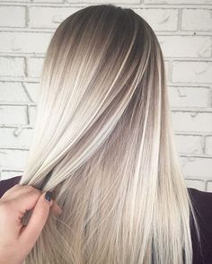 See this Instagram photo by @rochellegoldenhairstylist • 2,141 likes