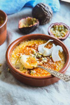 Crème brûlée med pasjonsfrukt og kokos