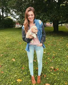 """128.5k Likes, 154 Comments - Sadie Robertson (@legitsadierob) on Instagram: """"New puppies and new clothes for wild blue :-) Meet Sadie's new bestie Frankie She's the cutest.…"""""""