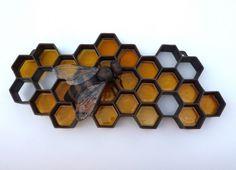 metal-honeybee-wall-sculpture-2