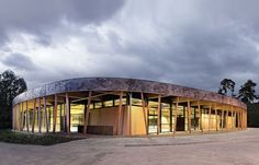 Salón deportivo en complejo estudiantil Bergstraße, Seeheim-Jugenheim, Alemania - Loewer + Partner - © Ralf Heidenreich