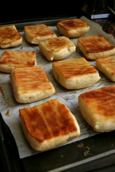 Irish Potato Bread are little pillows of heaven. Traditionally fried but these are baked for a healthy-ish alternative, but served with plenty of butter. Irish Potato Bread, Irish Potatoes, Bread Recipes, Cooking Recipes, Potato Recipes, Good Food, Yummy Food, Irish Recipes, Irish Meals