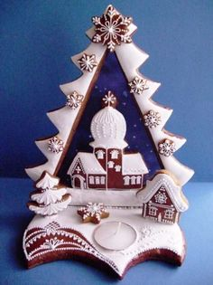 A beautiful Orthodox church and Christmas tree vignette out of gingerbread and royal icing from Slovakia. A candle base unites the composition. Christmas Gingerbread House, Gingerbread Cake, Christmas Treats, Christmas Baking, Christmas Cookies, Christmas Decorations, Gingerbread Houses, Cookie House, Fancy Cookies