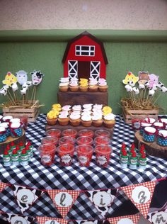 Mesa de dulces tema de granja