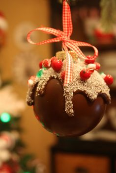 Sweet Something Designs: Chocolate Candy Ornament - A must for your candy theme holiday. Candy Christmas Decorations, Christmas Ornaments To Make, Christmas Goodies, Christmas Candy, Homemade Christmas, Christmas Treats, Christmas Projects, Holiday Crafts, Christmas Holidays