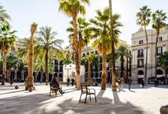 My favorite place in barcelona ! Don't eat there but come to see the Dancers and Singers, the place and the atmosphere ! Stock Image, Summer Bucket Lists, Spain And Portugal, Europe Destinations, City Break, Time Travel, Park, Beautiful World, Rues