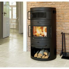 Get your Hwam Classic 7 Wood Burning Cookstove and more quality heating items at Obadiah's Woodstoves Fireplace Hearth, Stove Fireplace, Fireplace Inserts, Fireplaces, Wood Burning Cook Stove, Wood Stove Cooking, Soapstone Wood Stove, Stoves For Sale, Cast Iron Stove