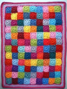 [Free Pattern] Sweet Little Crochet Granny Squares