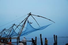 The world-famous Chinese Fishing Nets in Cochin.     http://bamboonets.com/netting-techniques-2/