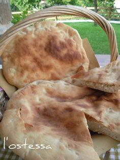 In Cucina con l'Ostessa: pitta calabrese cotta su pietra refrattaria