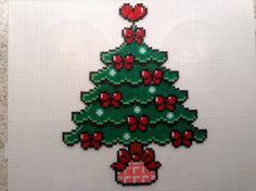 Christmas tree hama beads by Helle Petersen