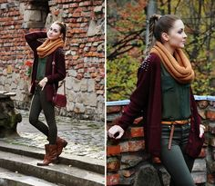 Outfit #green #shirt #maroon #cardigan #tan #belt #black #jeans #orange #wash #infinity #scarf #beautiful