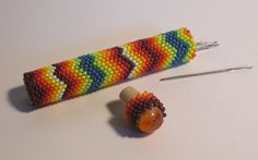 Teresa Kasner: Beaded needle case with cabochon