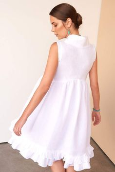 Wonderfully versatile white linen dress for both beach holidays and city soirees. Italian linen proudly born and tailored in Dubai by Fácil Blanco. Casual Day Dresses, Dresses For Teens, Simple Dresses, Elegant Dresses, Beautiful Dresses, Short Dresses, Summer Dresses, White Linen Dresses, Little White Dresses