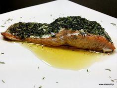 Uwielbiam ryby a szczególnie łososia, który idealnie pasuje do modelu LCHF. Przyrządzam go na wiele różnych sposobów. Tym razem dzielę się z Wami przepisem na łososia zapiekanego w maśle czosnkowo- ziołowym. Ryba tak przyrządzona jest niezwykle soczysta i aromatyczna a dodatkowo pływa w przepysznym Lchf, Steak, Pork, Pierogi, Ethnic Recipes, Kale Stir Fry, Steaks, Pork Chops