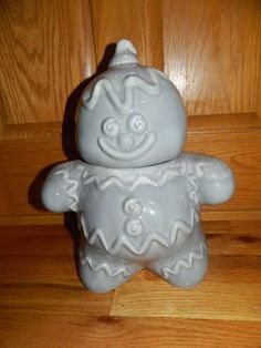 "VINTAGE HULL POTTERY GINGERBREAD MAN COOKIE JAR ""RARE TO FIND"" GREY COLOR USED"