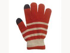 手袋をはめたままタッチパネルの操作が可能。寒い冬にも快適にスマートフォンを操作できます。外での待ち合わせにTouch!スマホ対応手袋/Touch!スマホ対応手袋(Seria)¥105- /Seria 金沢パティオ店 TEL:076-225-8272/Tatemachi Christmas Collection