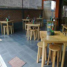 Meja-kursi-cafe ~ http://ajibfurniture.com/blog/pengrajin-meja-cafe-klasik-dan-modern-di-jakarta/