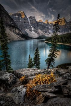 ***Moraine Lake (Banff, Alberta) by Howard Kilgour