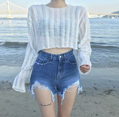 Find images and videos about girl, style and outfit on We Heart It - the app to get lost in what you love. Korean Girl Fashion, Korean Fashion Trends, Ulzzang Fashion, Korean Street Fashion, Summer Fashion Trends, Kpop Fashion Outfits, Korean Outfits, Cute Fashion, Cute Casual Outfits