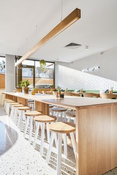 crisp, clean fitout by Derlot's Alexander Lotersztain and Pamela Georgeson sets the scene for relaxed dining at Morning After Café in Brisbane's West End. Restaurant Interior Design, Shop Interior Design, Cafe Design, Modern Restaurant, Food Design, Design Design, Restaurant Bathroom, Thai Restaurant, Cafe Shop