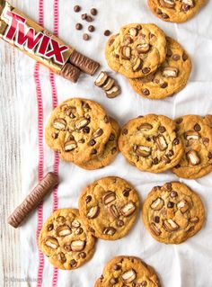 Twix Chip Cookies | Reseptit | Kinuskikissa Something Sweet, Chip Cookies, Chips, Baking, Desserts, Food, Wafer Cookies, Tailgate Desserts, Deserts