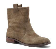 Sole Society –Natasha round toe boot